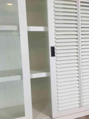 Vitrinekast groot shutters