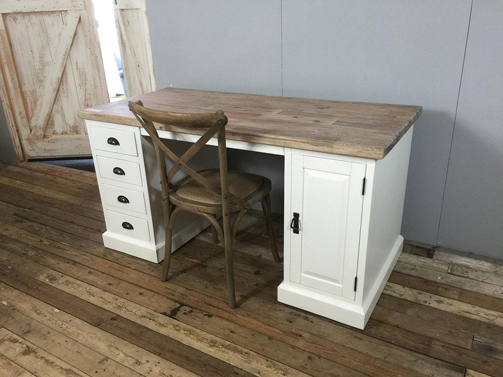 Landelijk wit bureau, laden en kastje. - Ans Woonshop