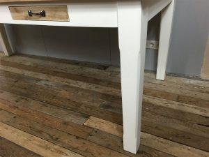 Eettafel wit rechte poot