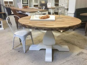 Landelijke ronde tafel wit