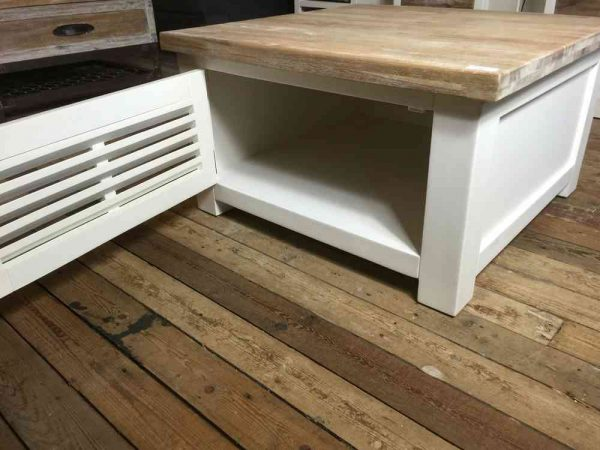 Vierkante witte salontafel shutters